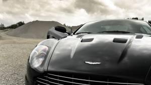 Aston Martin zwart