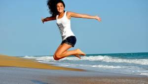 fit gelukkig zee strand