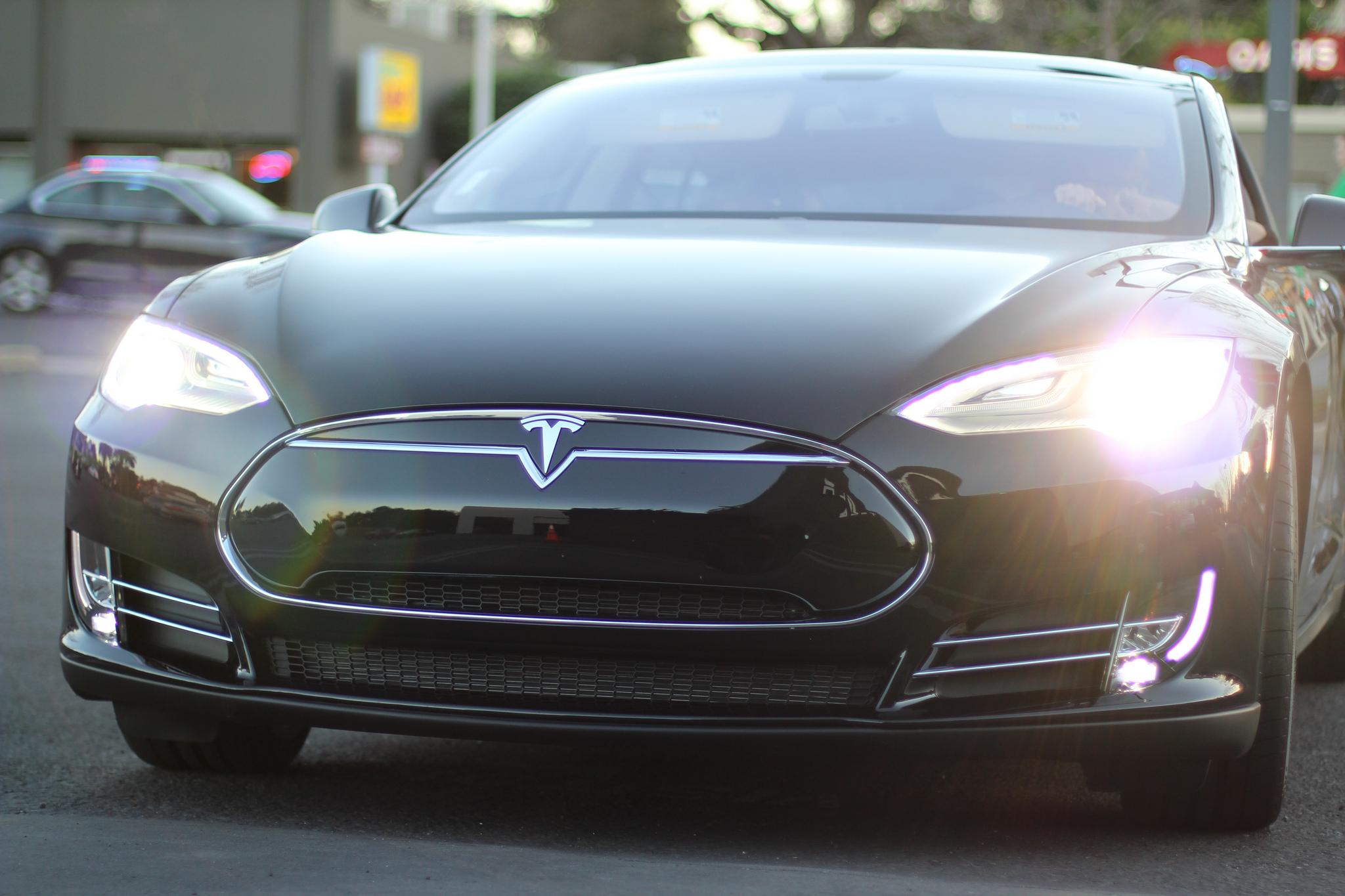 zelfrijdende auto Tesla