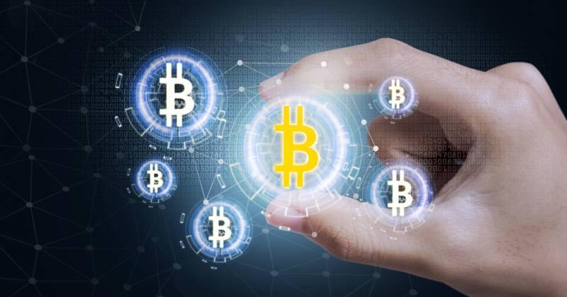 De koers van bitcoin bereikt in mei 10.000 dollar, betere investering dan aandelen